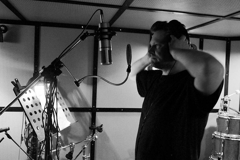 Mat Slammer - Studio shot