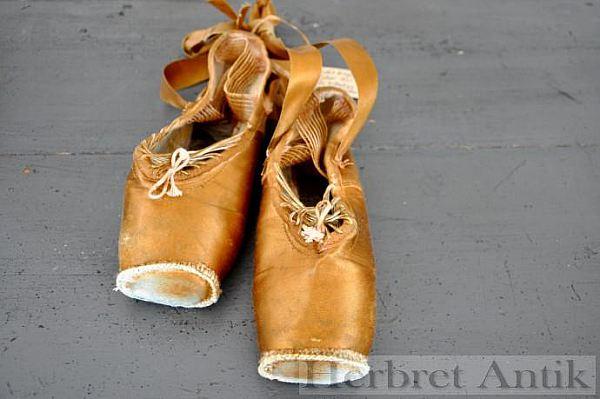 Nr 61. Danska balletskor