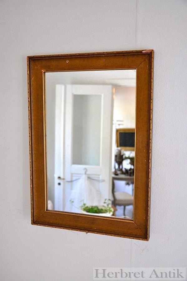 Nr 65. Spegel 40 x 28 cm