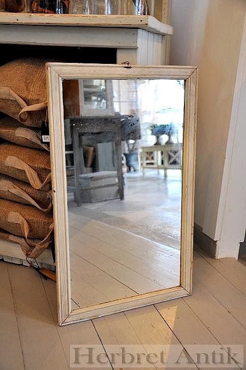 Nr: 124 Spegel 62 x 38 cm
