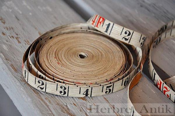 Nr: 135 Gammalt måttband