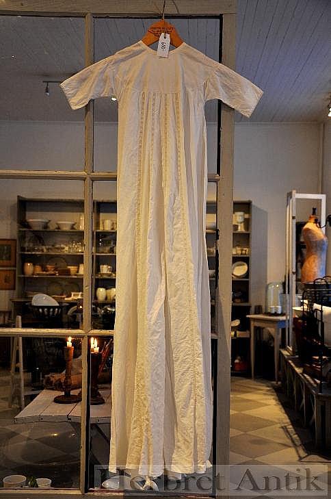 179 gammal dopklänning