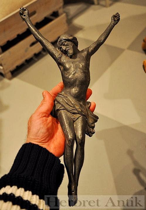 233 Stort krucifix, 43 cm