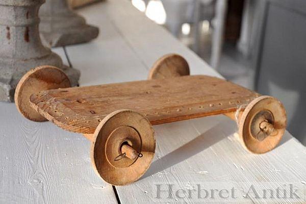 240 Underrede till leksaksbil