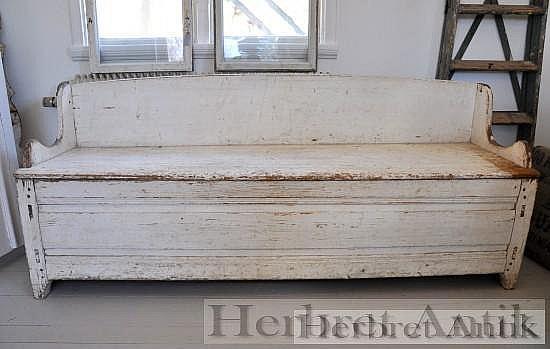 304 Gammal soffa/säng 1800 -tal   2500 kr