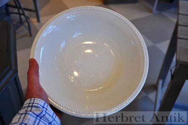 283 Skål med pärlrand, 26 cm
