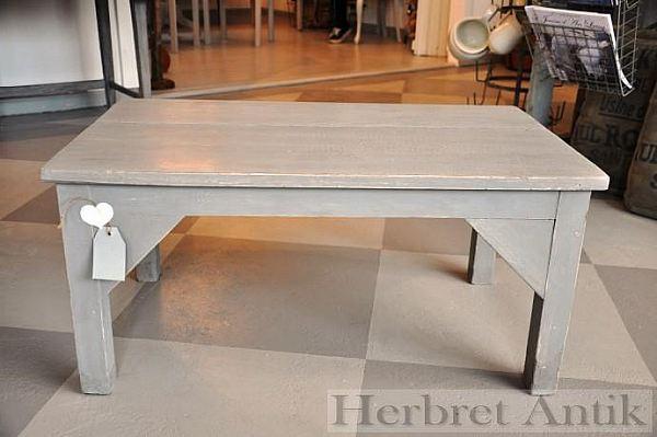 312 Bänk eller lågt bord 550 kr