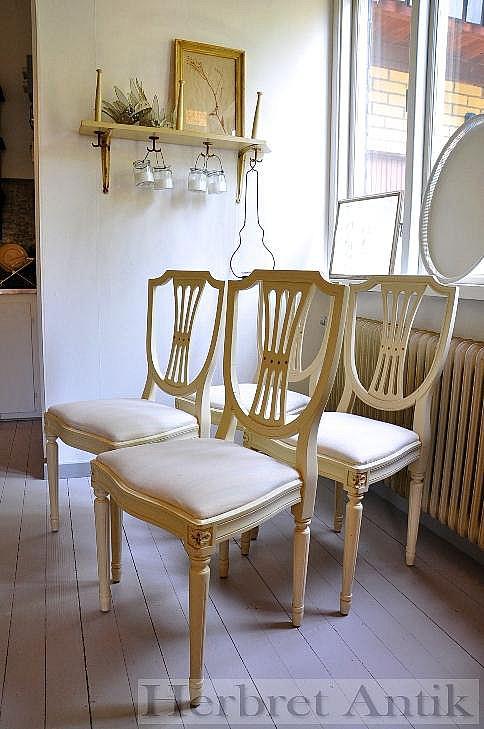 334 fyra stolar