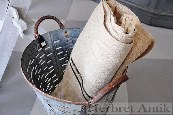 378 Grovt gammalt vävt linnetyg