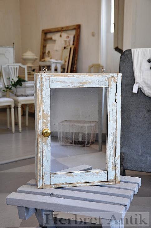 407 Litet spegelskåp (41 cm)   SÅLD