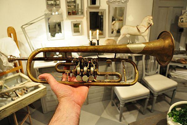 1026 Blåsinstrument