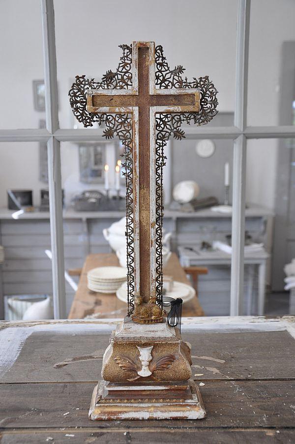 1186 Gammalt krusifix