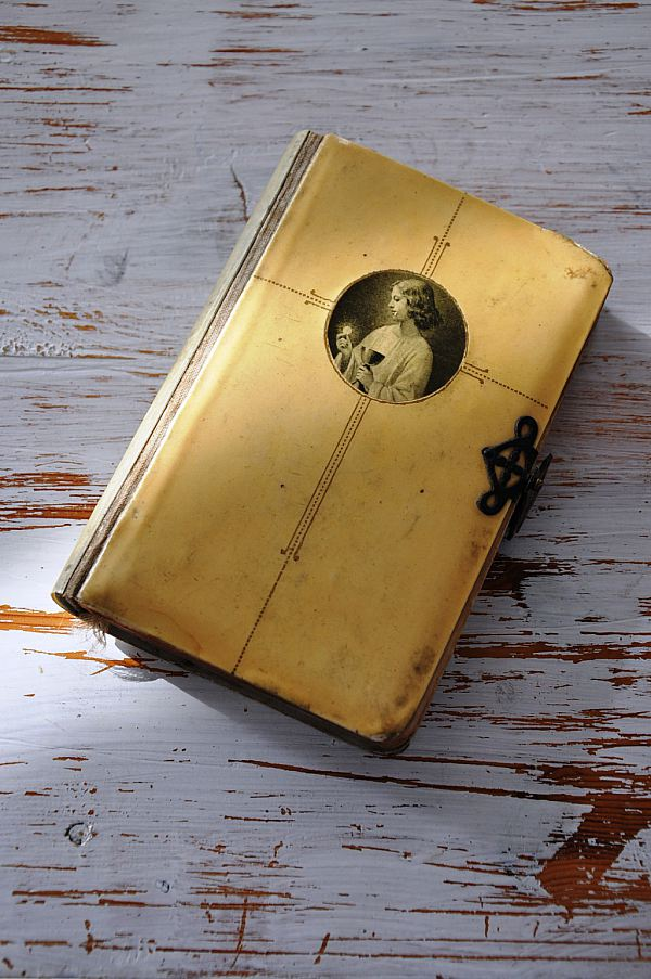 1217 Liten bok
