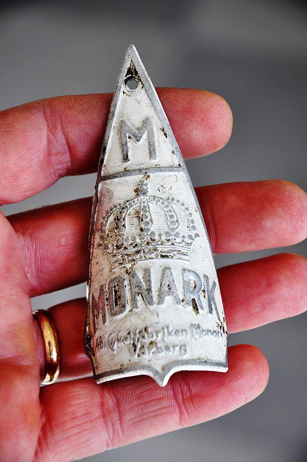 1239 Cykelmärke Monark (FÖRST TILL KVARN)  RESERVERAD