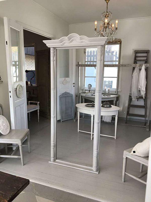 1427 Stor spegelram 750kr
