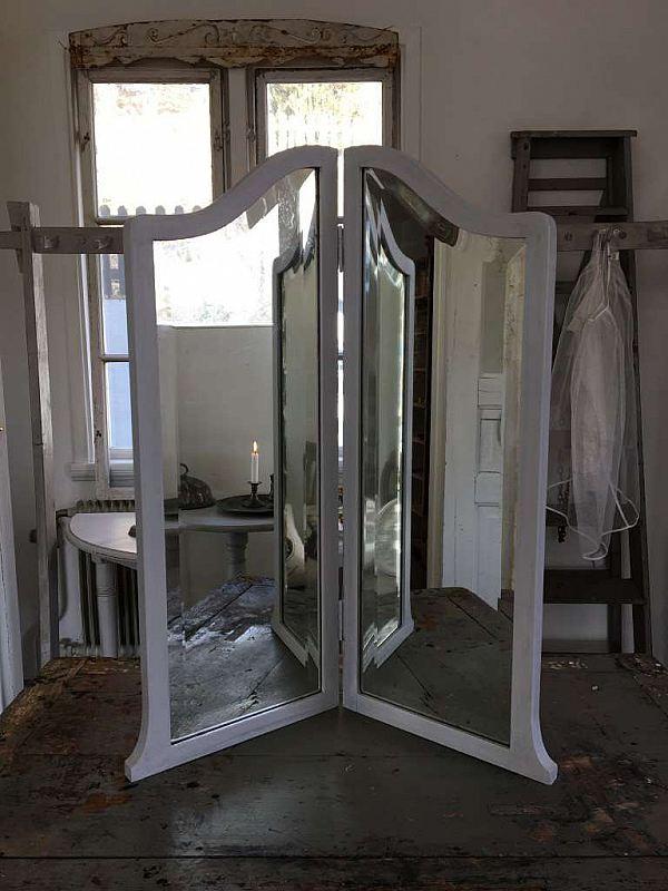 1439 Vikbar spegel