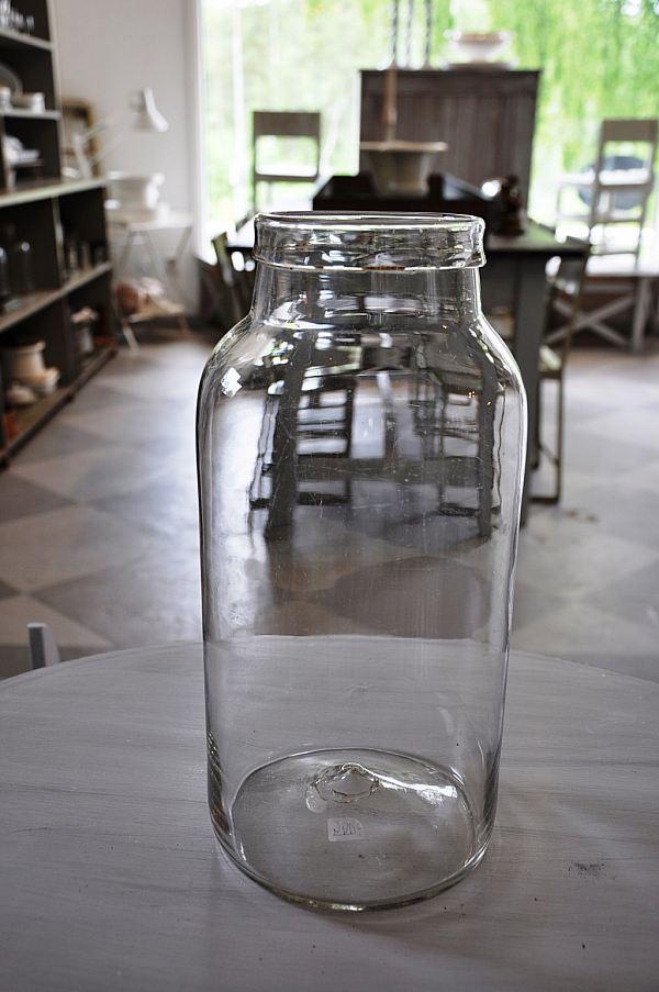 1520 Munblåst glasburk