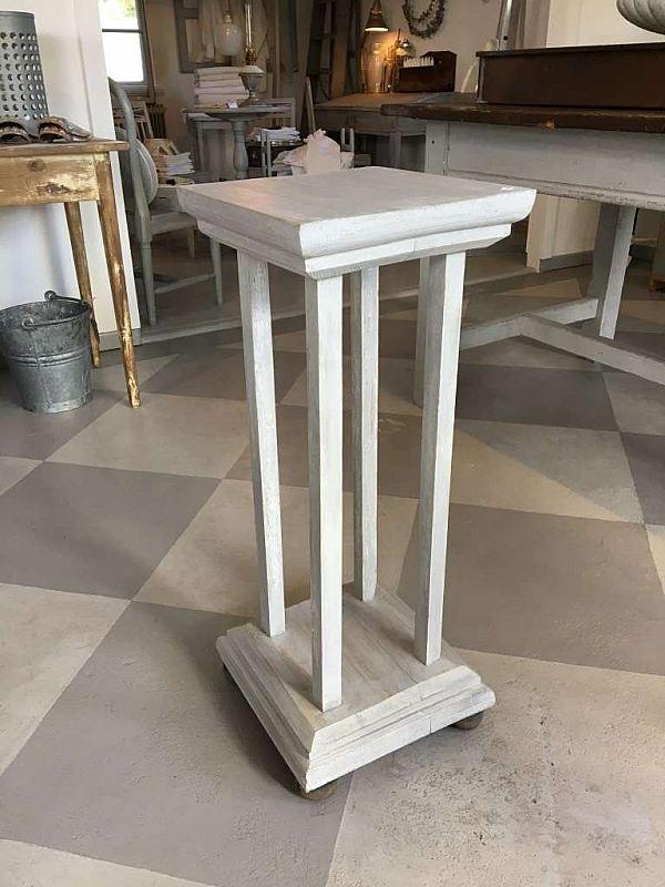 1560 Pedestal