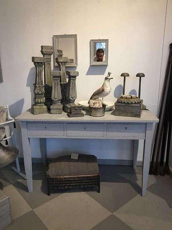 Möbler och andra större föremål