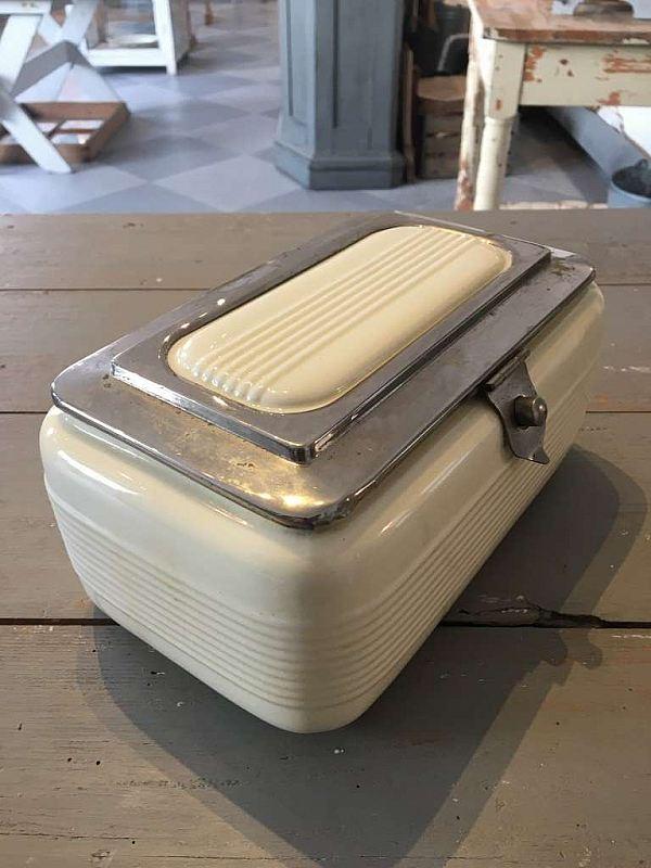1848 Porslinsbox