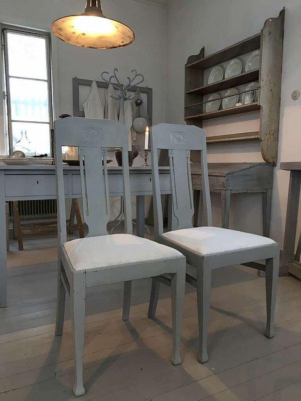1891 Två stolar (350kr/st)