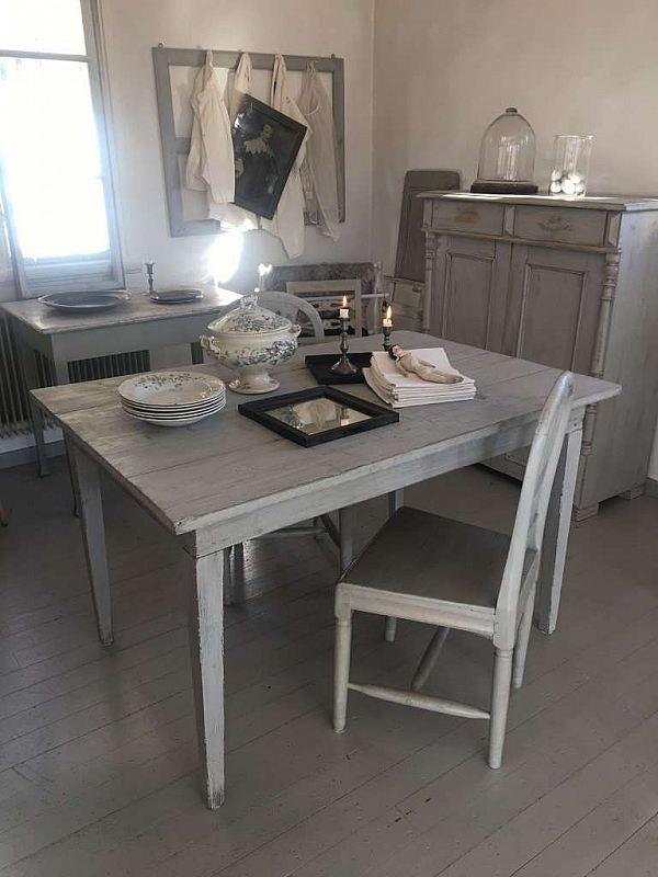 2033 Rufft matbord SÅLT!