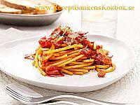 Bucatini Amatriciana pasta