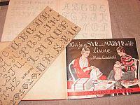Monogramböcker, insidor
